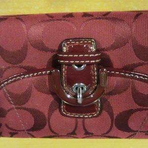 Coach wallet burgundy